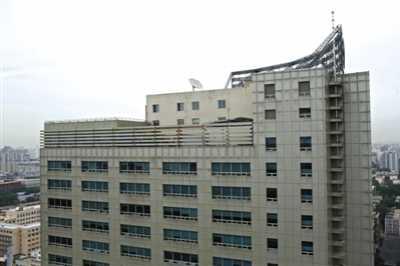 """人民教育出版社办公楼楼顶""""长出""""健身房 华泾健身房"""